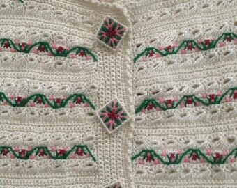 Adorable Vintage Knitted Sweater