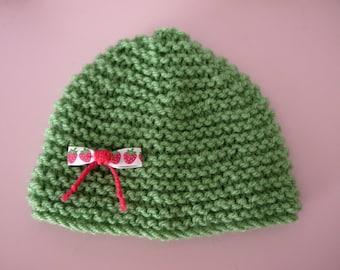 Hat newborn handmade baby 0/3 months green ribbons strawberries print