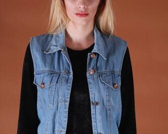 Cool 90s vintage denim vest // blue simple blue vintage jeans vest
