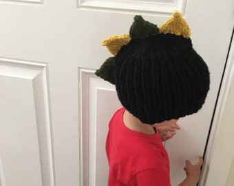 Hand knitted, toddlers dragon hat.