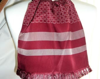 1960's Vintage Red and Pink Patterned Scalf