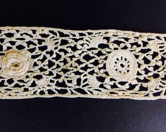 3.5 yards / Antique Crocheted Lace / Edging / Trim / Handmade / 1920's 20s / Antique White / Ivory