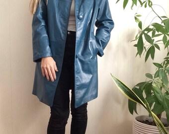 60s mod leather coat, royal blue, fur collar, blue leather coat, vintage leather, mod coat, 60s leather coat, Madigans, front pockets, boho