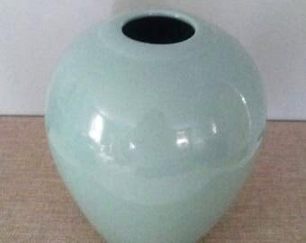 Vintage Haeger Celadon Green Vase Urn Ceramic Pottery