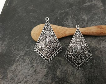 2 pcs, chandelier drop, ethnic, tribal Chandelier, silver, Metal triangle connectors 45 x 28 mm