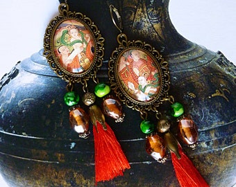 "Pierced ear ethnic ""TANTRA"" illustrated Asian glass cabochon, red tassels, iridescent glass, metal bronze"