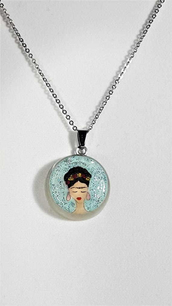 Frida Kahlo round  pendant (glitter collection)