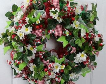 Summer Wreath, Daisy Strawberry Wreath, Strawberry Daisy Mesh Wreath, Strawberry Daisy Summer Wreath, Strawberry Mesh