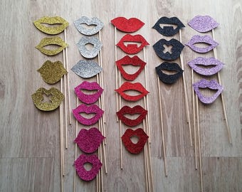 Photobooth accessories x 24 mouths in shades of gold/silver/purple/pink/black/red