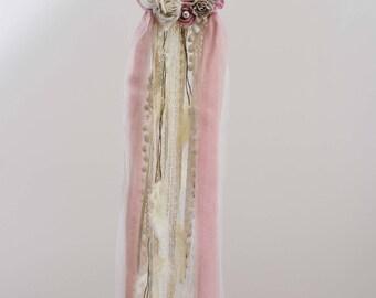 Wedding DreamCatcher,Pink Dream Catcher,Modern Dream Catcher,Boho Bedroom,Wedding Decoration,Handmade,Artificial Flowers,Pearls,Boho Wedding