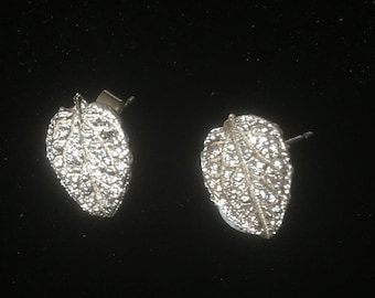 Fine Silver LEAF STUD EARRINGS - L16