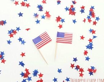 American flag cupcake picks. 4th of july decor. flag cupcake topper. cupcake topper. americana decor. 4th of july party. 4th of july cupcake
