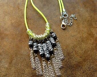Crew neck, ethnic-inspired chic ~ * unique * ~ paper jewelry ~ Paper Jewellery ~ black and white jewelry
