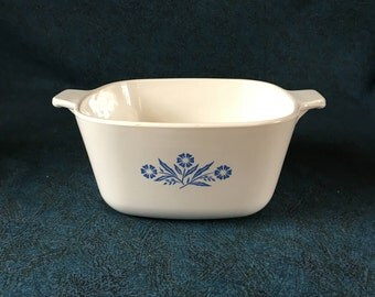 Vintage Corning Ware Blue Cornflower 1 3/4 Quart Casserole or Baking Dish P-1 3/4-B