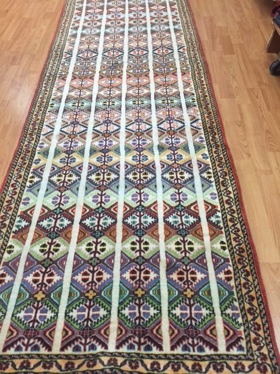 "2'8"" x 9'5"" Persian Shiraz Floor Runner Oriental Rug - Hand Made - 100% Wool"
