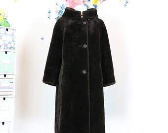 1950s Faux Fur Winter Coat - Open Stand Up Collar - Dark Brown - Vegan Animal Friendly Classic Fur Coat - Vintage Winter Coat - Small/Medium