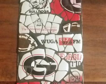 "UGA (University of Georgia) ""Fan"" - Mosaic from recycled materials"