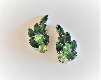 Weiss Emerald Green Rhinestone Clip On Earrings Big Large Silver Tone Sparkly Formal Emerald Rhinestones Leaf Leaves Floral Fancy Vintage