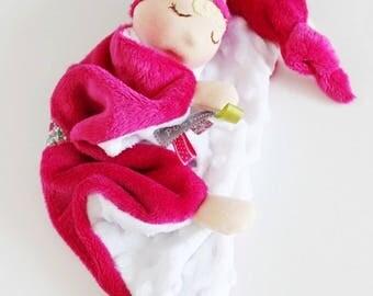 Doudou poupée waldorf minkee gaufré et étoile en liberty.