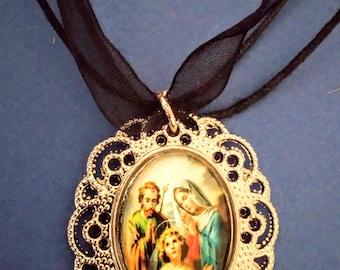 """Necklace """"La Sainte Famille"""""""