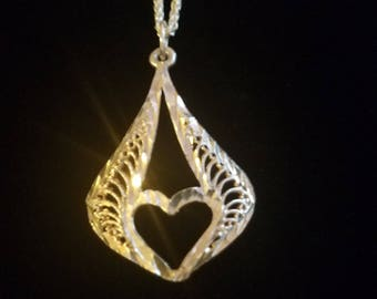"CP044: 2.5g Vintage Silver Etched Abstract Filigree Heart Pendant w/3.1g Solid Silver Modified Foxtail Fancy Link 18"" Sterling Necklace"