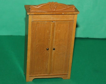 Vintage Dolls House Schneegas German Wardrobe