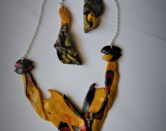 Adornment necklace and earrings