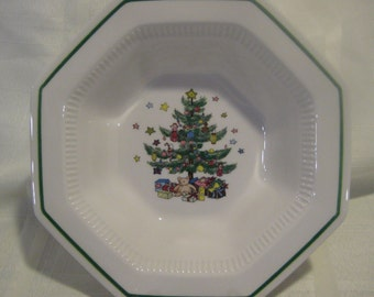 Christmastime - Vegetable Bowl - Nikko - Japan/ Octagon bowl with Christmas tree in center