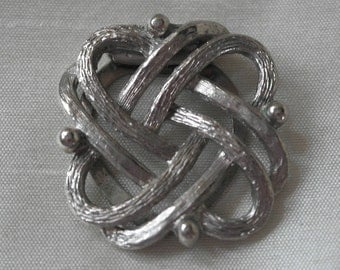 Celtic design scarf clip