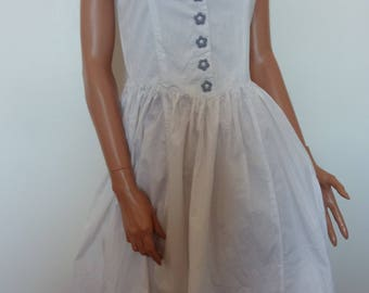 Vintage RENE DERHY White Cotton Sundress Corset French Gingham Floral Applique Daisy Buttons Summer Frock Full Skirt