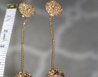 90's Gold Teardrop Earrings