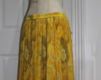 Calling for Sun - Yellow Pleated Flower Print Summer Skirt