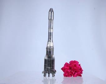 Ariane spacecraft rocket model display, cast metal rocketship European Space Agency ESA, 1980s launcher spaceship model