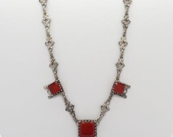Vintage Art Deco Simulated Glass Sardonyx Necklace with Ornate Chain