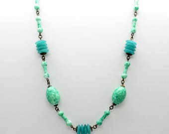 Vintage Peking Glass and Green Glass Bead Necklace