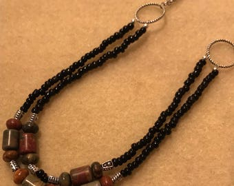 Long-Hanging Indian Agate Necklace