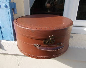 Authentic French Huge Hat Box train case 1930's La Mondiale great condition sturdy leather handle, clean paper interior with holding straps