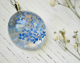 Resin jewelry Forget me not necklace Terrarium jewelry Resin flower necklace Botanical resin necklace Resin jewelry Nature Jewelry