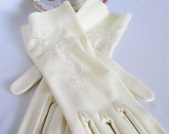 Vintage Gloves, White Gloves, Embroidered Gloves, Wedding, Gloves, Elegant, Off White, Cream, Long Gloves, Embriodered