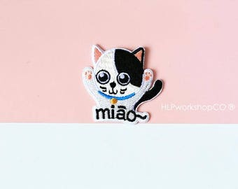CHEER MEOW -- Handmade Embroidered Patch Brooches Pins/Fabric Badge/Iron-On Patches/Cat/Kitten/Pet/Jumping/Say Hi/Happy