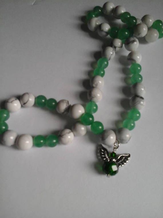 White Jade and Green Jade Guardian Angel Necklace, Healing Necklace, Stretchy Jade Necklace with Guardian Angel Charm, Jade Healing Beads
