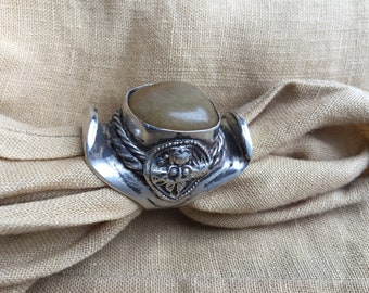 Tibetan Saddle ring with Avanturijn