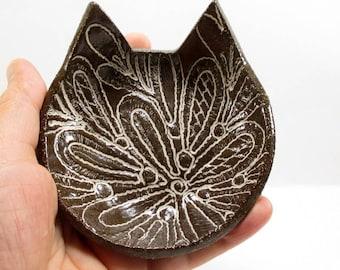 Ceramic cat dish, Cat dish, Cat ring dish, Brown cat, Clay ring dish, Cat spoon rest, Key holder, Tea bag holder, Small dish, Cat lover gift