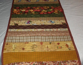 COUNTRY TABLERUNNER