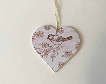 Large 10cm Decoupaged Hanging Heart Garden Bird Print - Countryside Country Kitchen Decor Gift