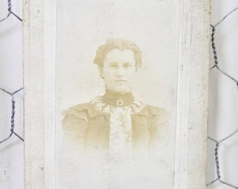 Antique Cabinet Card Photo. Young Woman, Late 1800s Collectible Photo, Scrapbooking, Collection, Antique Photo, Victorian, 19th Century
