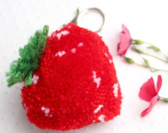 Strawberry KEYCHAIN big Pompom.