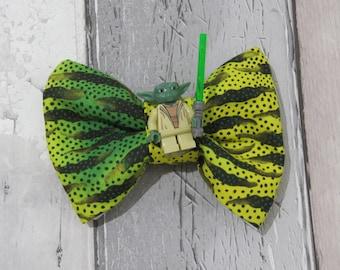 MiniFigure Star Wars Yoda Lego Dog Bow Tie, Dog clothing, Doggy Bow Tie, Puppy Bow Tie, Detachable Bow Tie