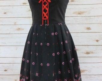 Vintage Folk Art Floral Print Dress Bohemian/Peasant Style