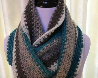 Crochet Cowl in Teal and Gray